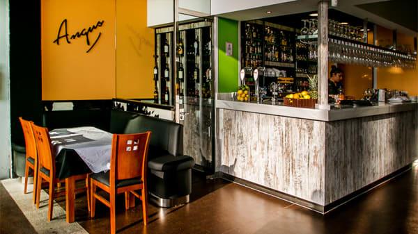 Vista sala - Angus Muelle Uno, Málaga