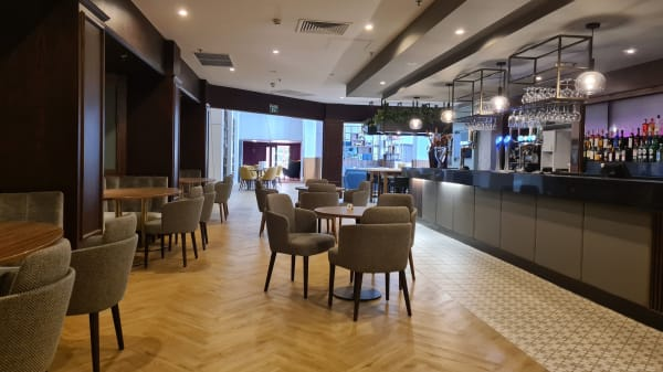 Main Quench Bar - Ashford International Hotel, Ashford