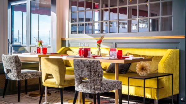 La salle du restaurant - La Matelote, Boulogne-sur-Mer