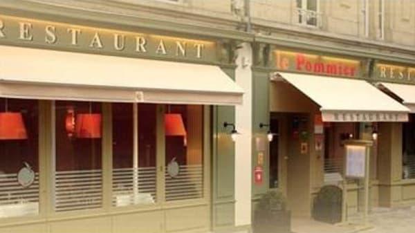 Extérieur - Le Pommier, Bayeux