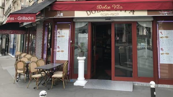 Dolce Vita, Paris