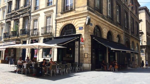 La terrasse - Le Puy Paulin, Bordeaux