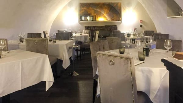 Vue de la salle - Lucky You Beef & Seafood, Cannes