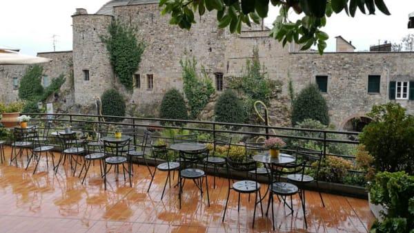 La terrazza bar con vista sul Castello - Bellavista, Cervo