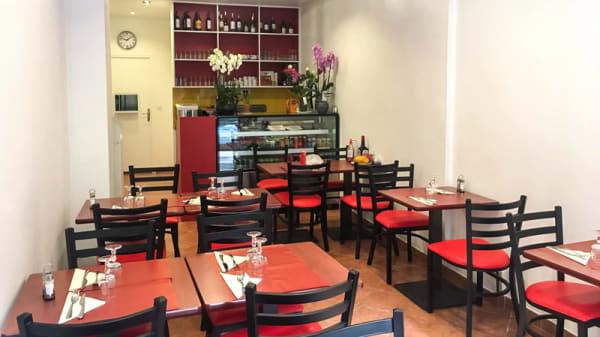 Salle du restaurant - Nem Hanoi, Paris