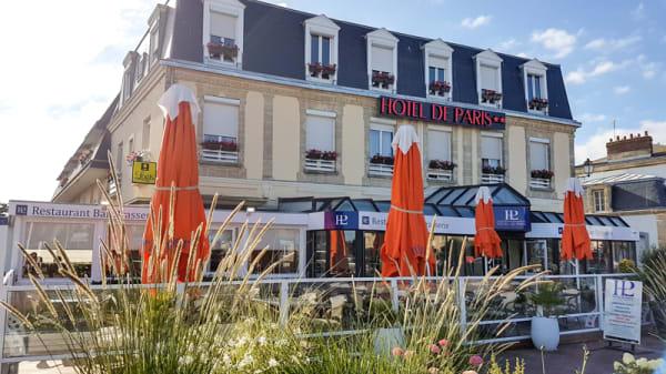 Façade - HOTEL DE PARIS, Courseulles-sur-Mer