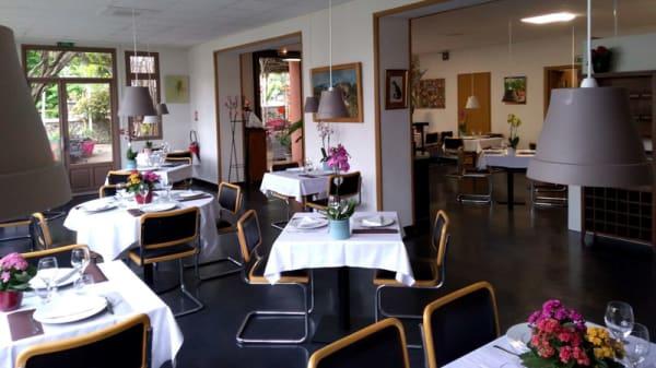 Salle - Restaurant des Glycines