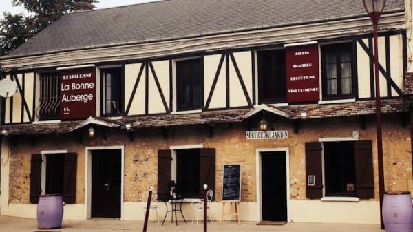 Vue extérieur - La Bonne Auberge, Maulette