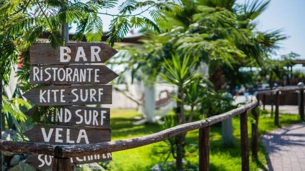 Hang Loose Beach, Gizzeria Lido