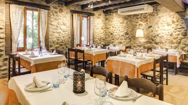 comedor interno - TRULL D'EN FRANCESC, Boadella D Emporda