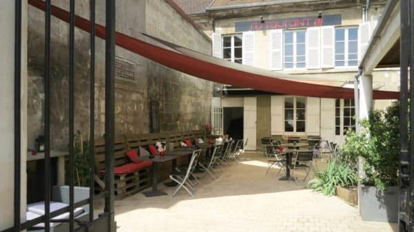 terrasse - La Pétille, Magny-en-Vexin