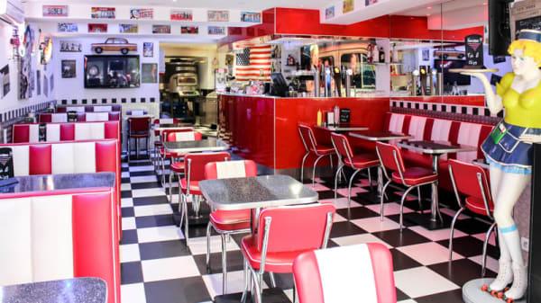 la salle du réstaurant - Enzo Pizza Burger, Sanary-sur-Mer