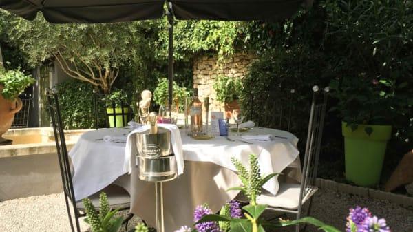 Côté jardin - L'Auberge de Cheval Blanc, Cheval-Blanc