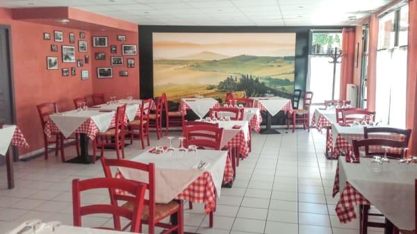 Salle du restaurant - Pizza Bella, Oppède