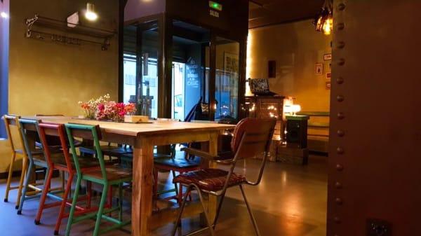 Sala del restaurante - ELViENTo Bar, Valencia