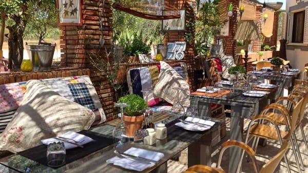 Terraza - Monica's, Almancil