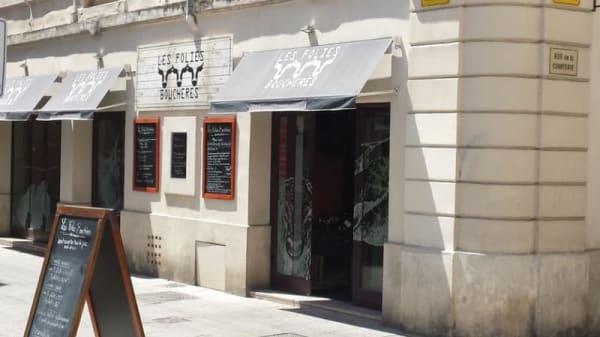 Les Folies Bouchères, Nîmes