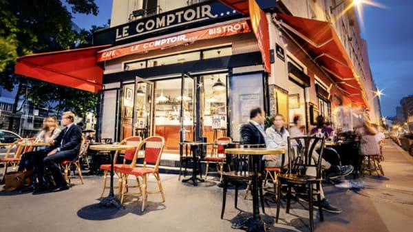 By night - Le Comptoir, Paris