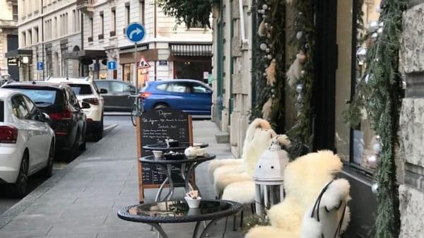 Terrasse - Christie's Bakery - Plainpalais, Genève