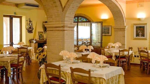 Interno - La Casa Rossa, Alba Adriatica