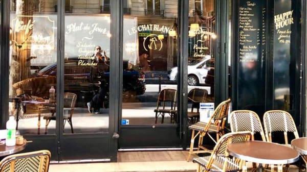 Façade - Le Chat Blanc, Paris