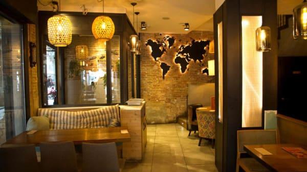 Vista de la sala - Anatolia Doner Kebap Grill, Barcelona