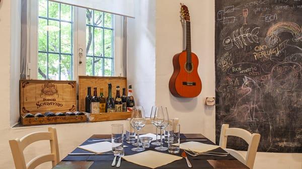 Vista sala - Hyugo Restaurant, Milano