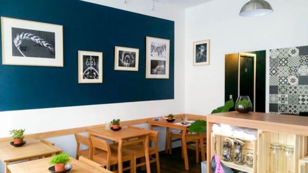 Vue de l'intérieur - Chez Ugo, Paris