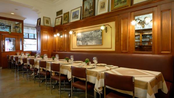 Salle du restaurant - La Belle Maraîchère, Bruxelles