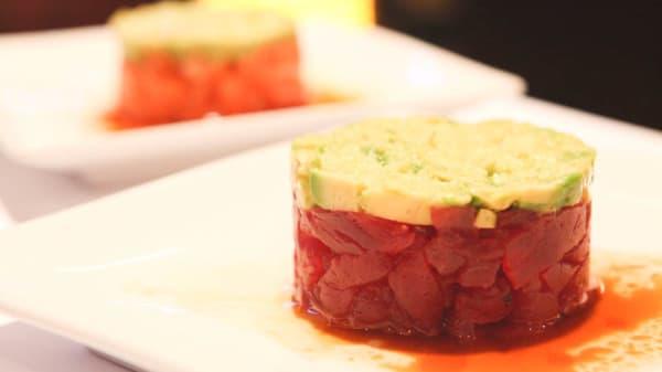 Tartare de Thon ou Saumon sauce style ponzu - Saveurs de Tokyo, Paris