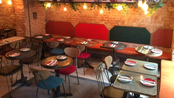 Salón del restaurante - DPipo Pizza y Pollo, Madrid