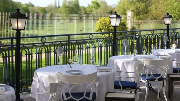 "Terrasse ""Gordon Ramsay au Trianon"" - Gordon Ramsay au Trianon, Versailles"