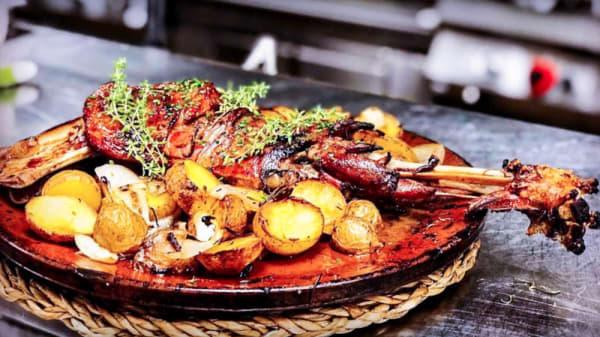 Sugerencia de plato - Can Trona, Sant Pere Pescador