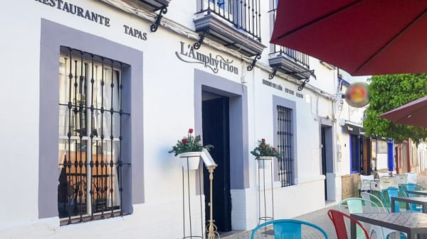 Entrada - L'amphytrion, Castilleja De La Cuesta