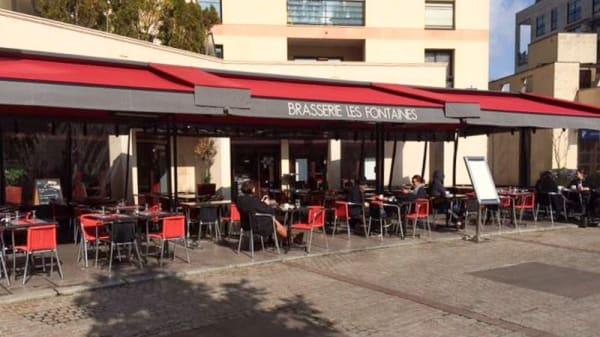 Devanture - Brasserie Les Fontaines, Levallois-Perret