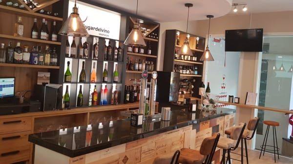 Vista del interior - Lugar del vino Gijon, Gijón