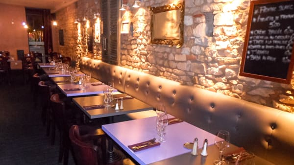 Salle du restaurant - Les Acacias, Villefranche-sur-Saône