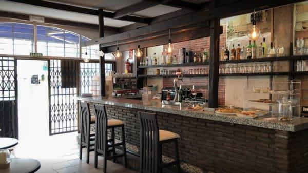 Vista de la sala - Pisko coffee bar, Benalmadena