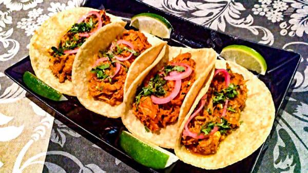 Cochinita Pibil - Tacos y Tapas, Madrid