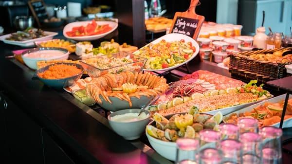 buffet salé - Campanile Cergy-Pontoise, Pontoise
