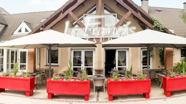 Terrasse - Le Francis, Barjouville