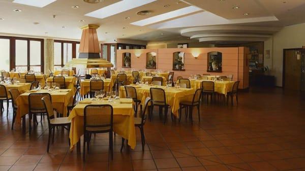 Vista sala - Antica Osteria O'Calabrisuotto, Serino