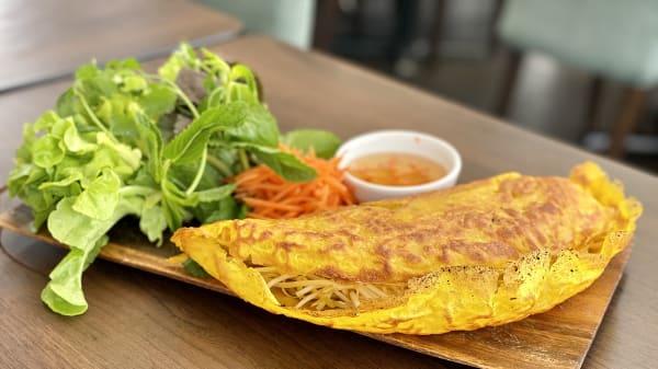 Crispy Vietnamese pancakes - Huong Lua, Chatswood (NSW)
