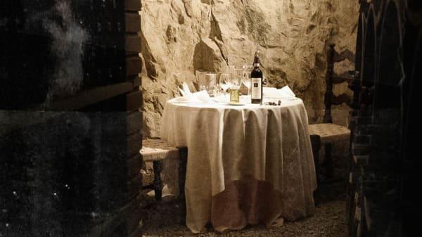 Saletta rustica interna - Osteria Cantagallo, Capraia E Limite