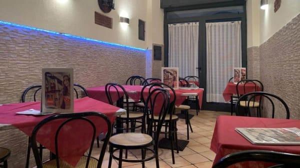 Vista sala - Pizzeria Trattoria 900, Naples