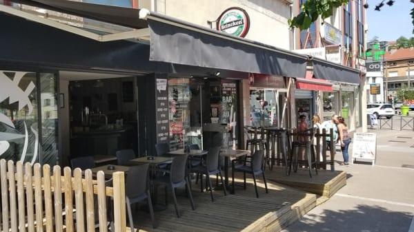 Terrasse - AU 4 Bar Brasserie, Épinal