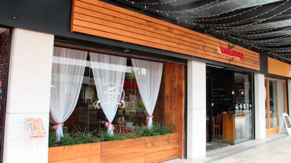 RW Fachada. - Vermelho Burgers & Steaks, Porto Alegre