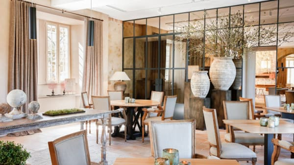 Vue de l'intérieur - Le Prieuré Madiran - Restaurant Le Terroir, Madiran