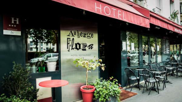 exterieur - Auberge Flora - Flora Mikula, Paris