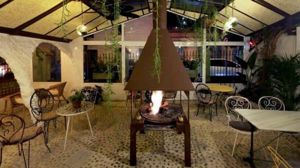 Terraza - Dry law wine & cocktail bar, Vilassar De Dalt